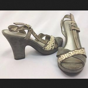 KENNETH COLE Wedge Sandals Gray Snake Skin & Suede